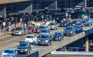 Traffic on the upper (Departures) drive at Sea-Tac Airport