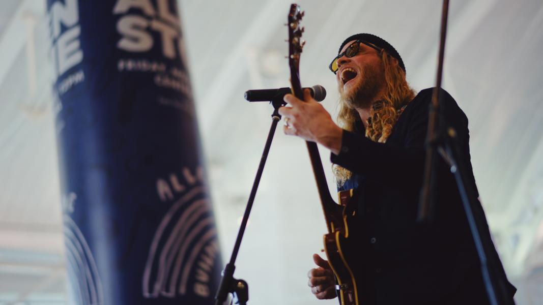 Allen Stone performs at SEA.